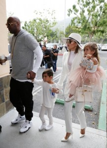kardashians-easter-sunday3-splash